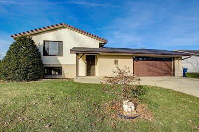 Oak Creek Single Family Home For Sale: 220 E Parkway Estates Dr