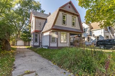 Kenosha County Single Family Home Active Contingent With Offer: 6562 5th Ave
