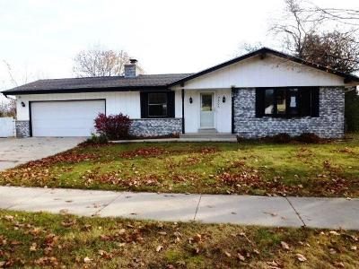 Milwaukee Single Family Home For Sale: 7306 N 99th St