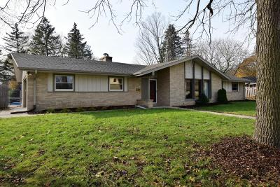 Racine County Single Family Home For Sale: 403 Braewood Dr