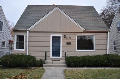 Milwaukee Single Family Home For Sale: 3006 N 89th St