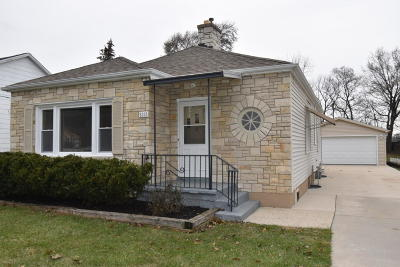 Kenosha County Single Family Home Active Contingent With Offer: 5318 61st St