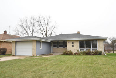 West Allis Single Family Home For Sale: 2827 S 72nd St