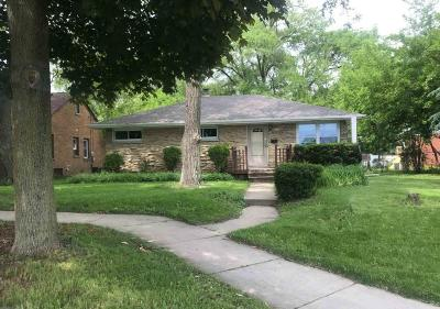 Glendale Single Family Home For Sale: 5657 N Green Bay Ave