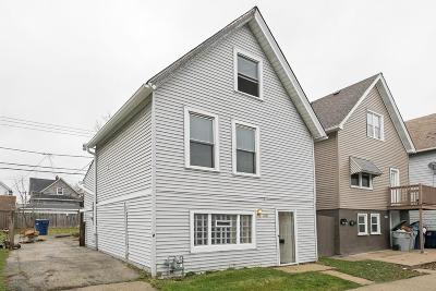 Milwaukee Single Family Home For Sale: 2427 S 5th Pl.