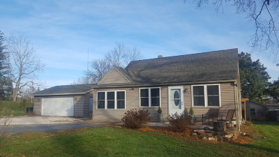 Racine County Single Family Home For Sale: 34310 White Oak Dr