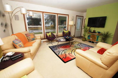 Milwaukee Single Family Home For Sale: 7161 N 44th St