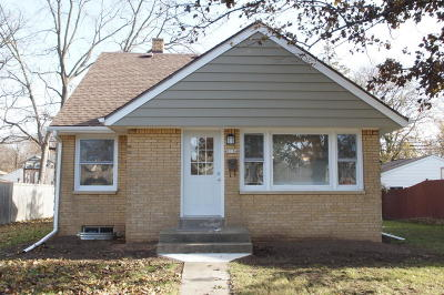West Allis Single Family Home For Sale: 2136 S 108th St
