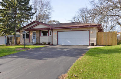 Racine County Single Family Home For Sale: 3330 Southwood Dr