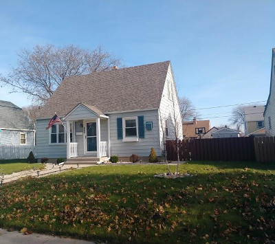 West Allis Single Family Home For Sale: 2368 S 65th St