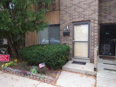 Milwaukee Condo/Townhouse For Sale: 6278 W Port Ave