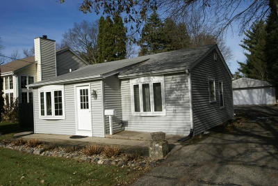 Waukesha County Single Family Home For Sale: 520 W Lincoln St