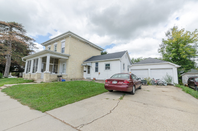 Waterloo Single Family Home For Sale: 315 E Madison St