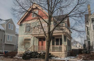 Milwaukee Single Family Home Active Contingent With Offer: 1913 N Oakland Ave