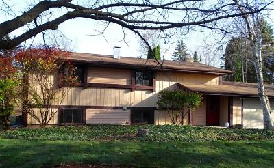 New Berlin Single Family Home For Sale: 5790 S Saint Andrews Dr