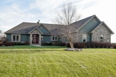 Hartland Single Family Home Active Contingent With Offer: N84w27619 Twin Pine Cir