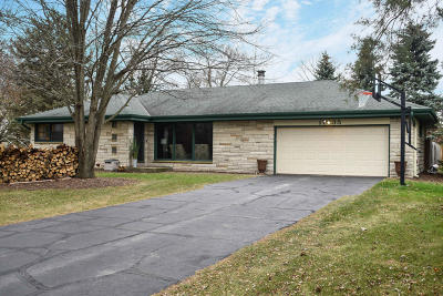 Brookfield Single Family Home Active Contingent With Offer: 17335 W Wisconsin Ave