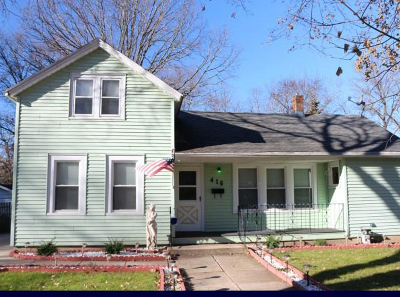 Fort Atkinson WI Single Family Home Active Contingent With Offer: $125,000