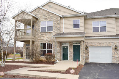 Pewaukee Condo/Townhouse Active Contingent With Offer: N16w26559 Meadowgrass Cir #A