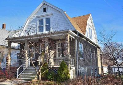 Milwaukee Single Family Home Active Contingent With Offer: 3162 S Adams Ave