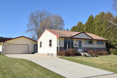 Grafton Single Family Home Active Contingent With Offer: 903 4th Ave