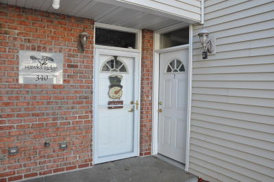Mukwonago Condo/Townhouse Active Contingent With Offer: 340 E Veterans Way #7