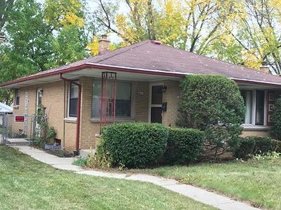 Milwaukee Single Family Home For Sale: 4457 N 74th St