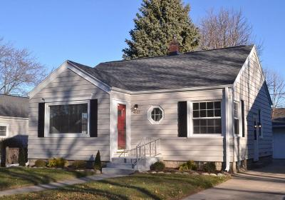 Whitefish Bay Single Family Home For Sale: 4622 N Woodruff Ave
