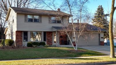 Milwaukee Single Family Home For Sale: 3839 S 97th St