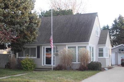 Racine Single Family Home For Sale: 2825 Glendale Ave