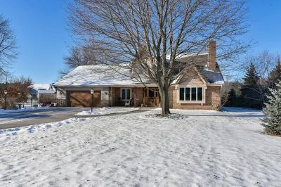 Cedarburg Single Family Home For Sale: W53n1075 Hawthorne Ln
