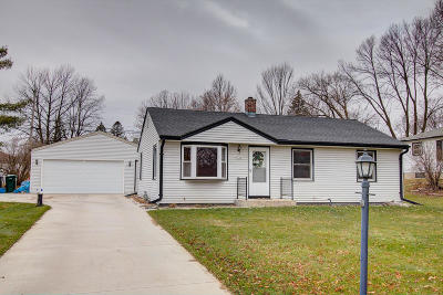 Waukesha County Single Family Home For Sale: 1545 S 171st St