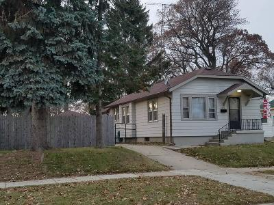 Racine County Single Family Home For Sale: 2620 Arthur Ave