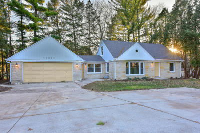 New Berlin Single Family Home Active Contingent With Offer: 12809 W Greenfield Ave