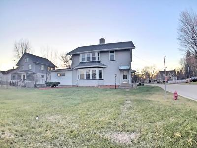 Kenosha Single Family Home For Sale: 866 Sheridan Rd