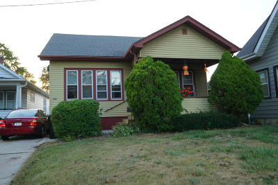 Racine Single Family Home For Sale: 2406 Taylor Ave
