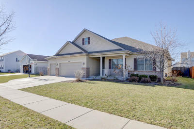Kenosha Single Family Home Active Contingent With Offer: 6140 82nd Ave