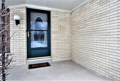 Racine Single Family Home For Sale: 4522 Valley Rd
