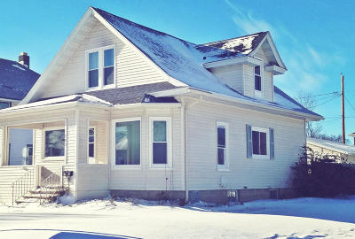 Single Family Home For Sale: 703 Wisconsin