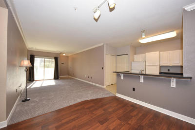 Waukesha WI Condo/Townhouse For Sale: $135,000