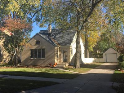 Single Family Home Active Contingent With Offer: 2016 N 85th St