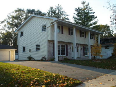 Cedarburg Two Family Home For Sale: N40w5513 Wilshire Dr #N40W5515