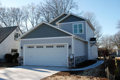 Pewaukee Single Family Home Active Contingent With Offer: W269n2761 Water St