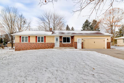 West Bend Single Family Home For Sale: 514 N Indiana Ave