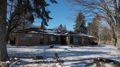 Racine County Single Family Home For Sale: 4839 Sheridan Rd