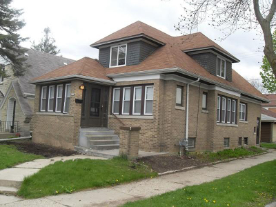 Milwaukee Single Family Home For Sale: 2379 N 53rd St
