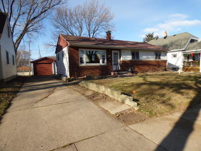 Single Family Home For Sale: 2469 S 95th St