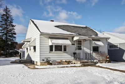 Milwaukee Single Family Home For Sale: 4969 N 76th St.