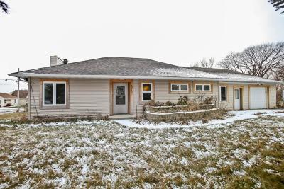 Milwaukee Single Family Home For Sale: 12109 W Bobolink Ave