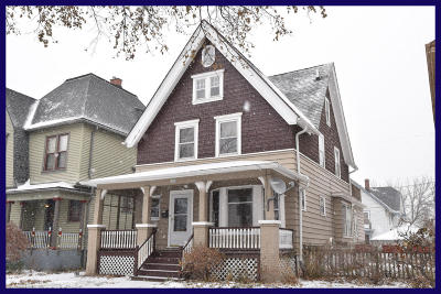 Milwaukee Single Family Home For Sale: 1622 N 48th St